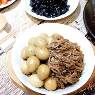 돼지고기메추리알장조림 (300g)