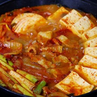 돼지고기김치찌개 (900g)